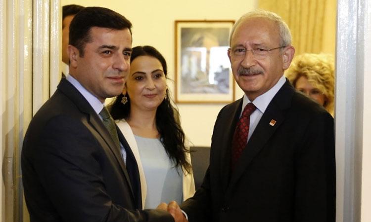 Baydemir: Ankara'dan İstanbul'a yürünüyorsa, bu Demirtaş'ın bulaştırdığı cesaretin sonucudur | soL Haber Portalı