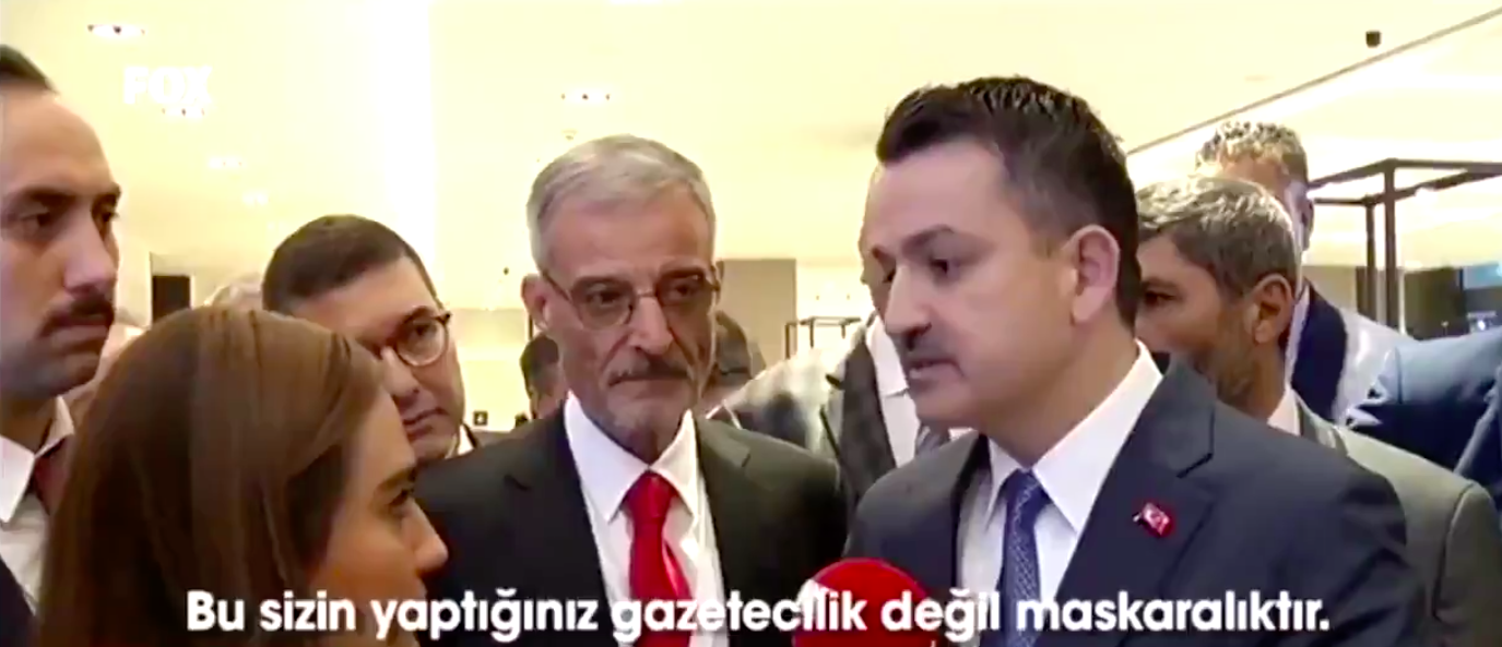 VİDEO | İhalesiz et getirdiğini itiraf eden Bakan, gazeteciye 'maskara' dedi