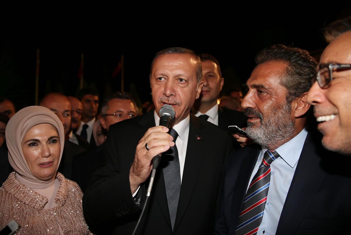 Yavuz Bingöl Cumhurbaşkanı Erdoğana şarkı yazdı