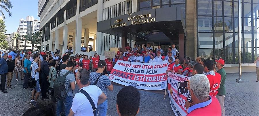 İzmir Büyükşehir Belediyesinin işten attığı işçiler: Adalet istiyoruz!