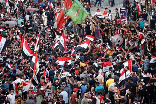 Bağdat'ta göstericilere ateş açıldı: En az 6 ölü