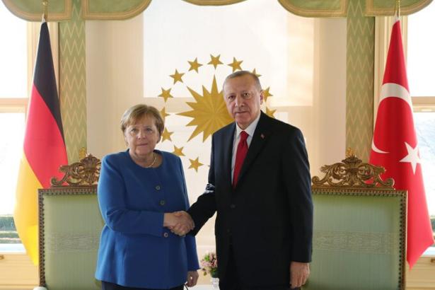 Merkel'den 'İdlib'den kaçanların' barınması için maddi destek sözü