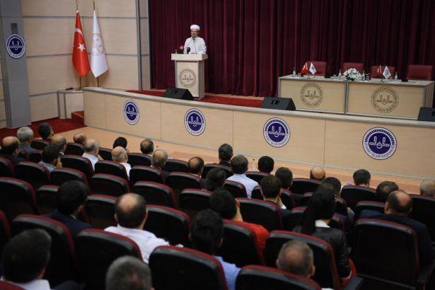 Türkiye'den 'bilim' manzaraları: Diyanet İşleri Başkanlığı ile TÜBİTAK'tan dualı işbirliği anlaşması