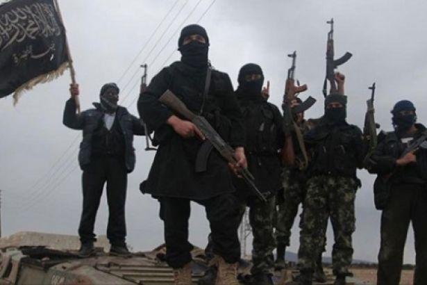 Suriye'de cihatçılar arası infazlar sürüyor: Kafranbel'deki iki yüzlü propagandayla tanınan ÖSO'cu öldürüldü