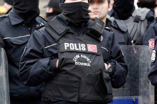 Gazi Pir Sultan Şehitleri Cemevi'nde Halk, Polis Tacizi Ve Sinsiliğini Teşhir Etti
