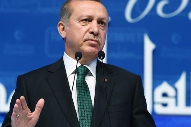 Huzurlarınızda Erdoğan: Grev yasağıyla övündü, işçilerin haklarını çaldı bir de 1 Mayıs mesajı yayımladı!