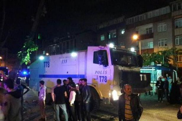 İstanbul'da tehlikeli gerginlik: 1 kişi öldürüldü, göçmenler mahalleden çıkarıldı