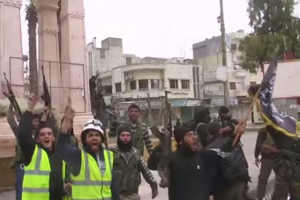 ABD istedi: İsrail El Kaideli 'Beyaz Miğferler'i Suriye'den tahliye etti!