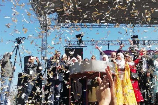 HDP İstanbul newroz kutlamasında Pervin Buldan konuştu