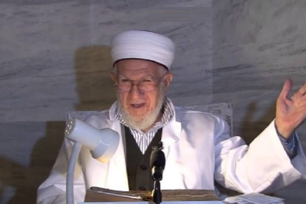 Gerici yazar Akşit: 'Adı Ali, Hasan, Hüseyin olan delikanlılar herkesin içinde...'