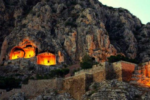 Amasya'dan selam var: Kralsız Kaya