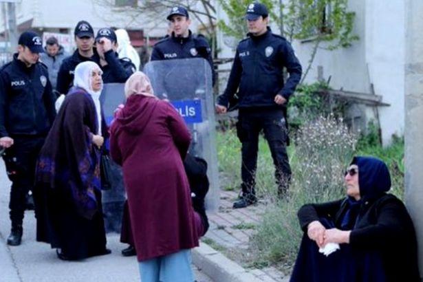 Gebze Cezaevi önündeki ailelere polis saldırısı