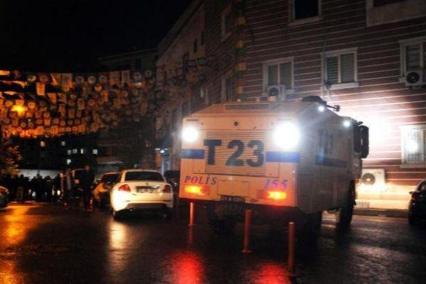 HDP Diyarbakır il binasının kapısı kırıldı, Vekiller darp edildi: 7 gözaltı