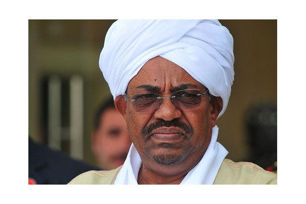 Sudan'da 30 yıllık El Beşir diktatörlüğü devrildi!