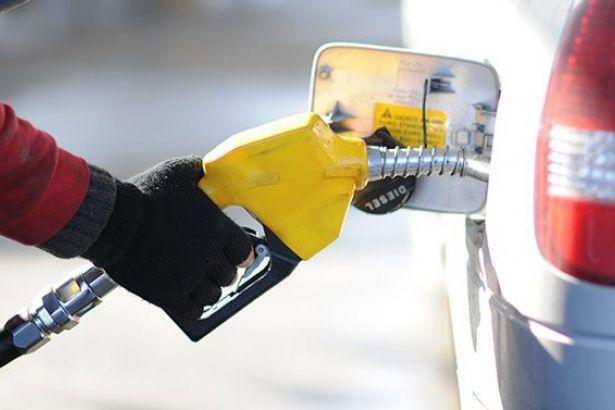 Benzine rekor zam: 6.02 lira