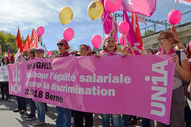 İsviçre'de kadınlar 'eşit işe eşit ücret' talebiyle yürüdü