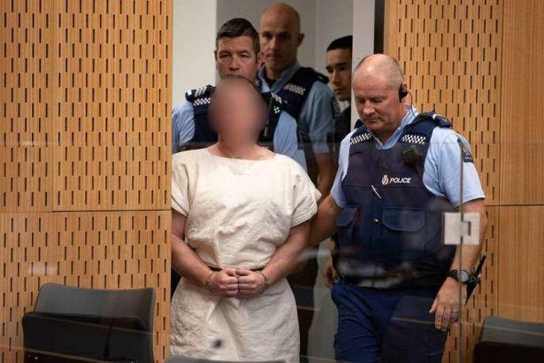 Yeni Zelanda saldırganı avukatını azletti, mahkemeyi propaganda platformuna çevirebilir