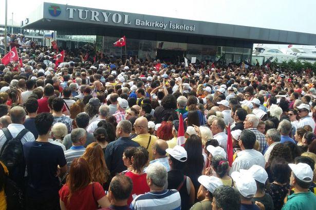 İşte çöküşün fotoğrafı: AKP mitingine ek sefer koyanlar bakın bu kez ne yaptı?