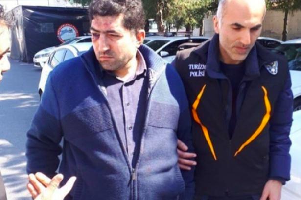 Yolcuya 'Terörist misin, cami mi tarayacaksın' diyen taksici tutuklandı