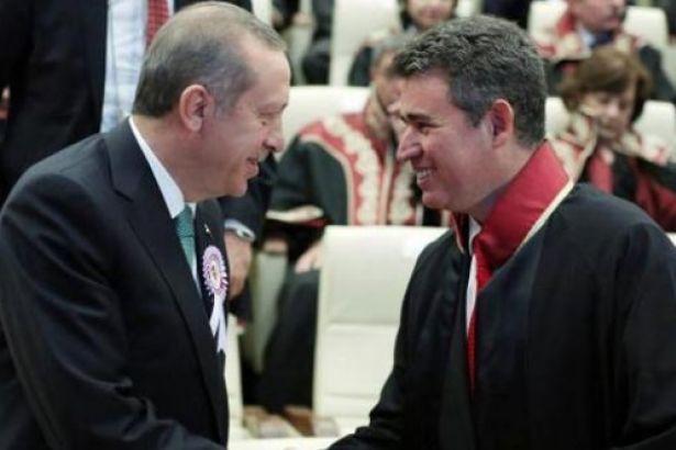 TBB Başkanlığı'na dilekçe gönderen Yönetim Kurulu üyeleri, Metin Feyzioğlu'nu istifaya davet etti.