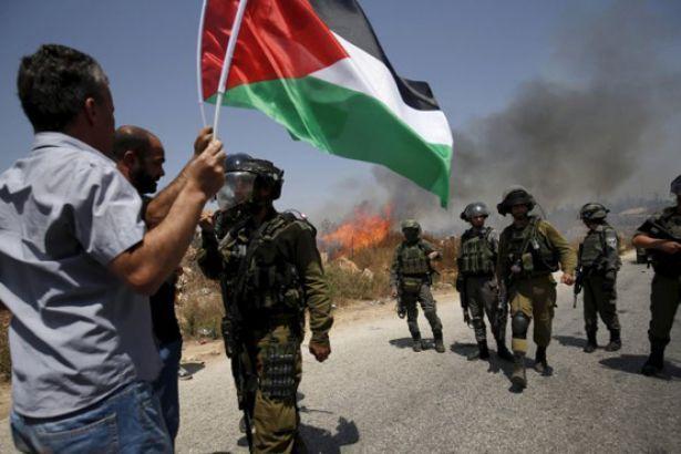 Qəzzada etiraz aksiyası başladı: İsrail 18 fələstinli öldürü