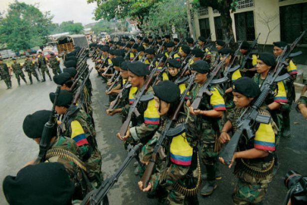 Silah bırakmayan FARC gerillalarına saldırı: 11 gerilla yaşamını yitirdi