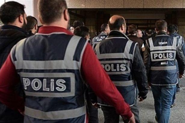 639 milyon lira dolandırmaya çalışan polis yakalandı