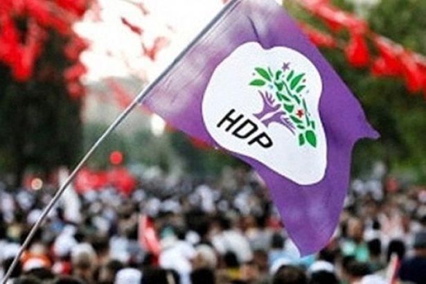 HDP seçim aracında, HDP'nin seçim müziklerini çalan 5 kişi 'örgüt propagandası'ndan gözaltına alındı