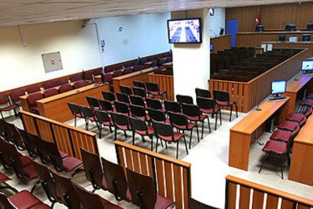 Diyarbakır Cumhuriyet Başsavcılığı tarafından Demokratik Toplum Kongresi'ne (DTK) dönük başlatılan soruşturma kapsamında gözaltına alınan 43 kişiden 16 kişi emniyetteki ifade işlemlerinin ardından dün adliyeye sevk edildi.