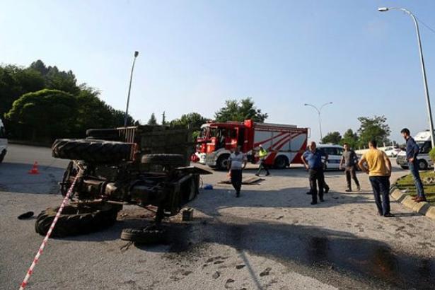 Düzce'de fındık işçilerini taşıyan traktör devrildi