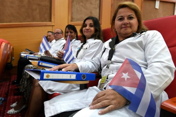 Kenya'da Kübalı hekimlerin durumu