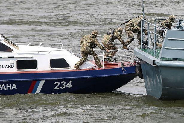 Japon Denizi'nde gerilim: Rusya, KDHC'ye ait gemiye el koydu