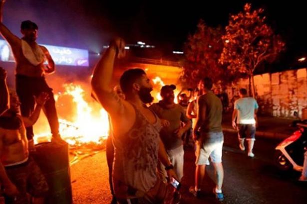 Lübnan Başbakanı, protestoların önüne geçmek için tedbir paketini açıkladı