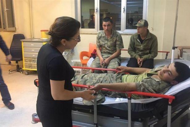 Son Dakika: Manisa'daki Yemek Skandalı ! 372 Asker Hasteneye Kaldırıldı!