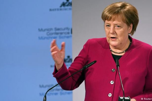 Merkel'den ABD'ye otomobil sitemi