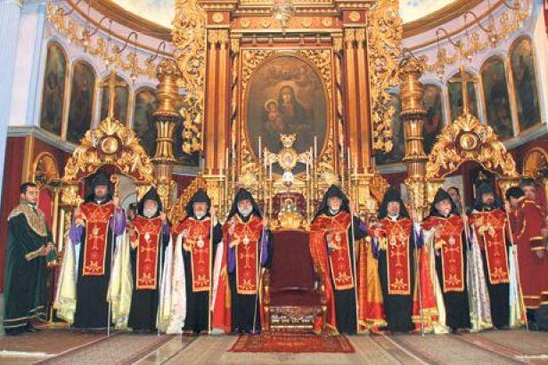 Ukrayna kilisesinin bağımsızlık kararı Ortodoksları böldü