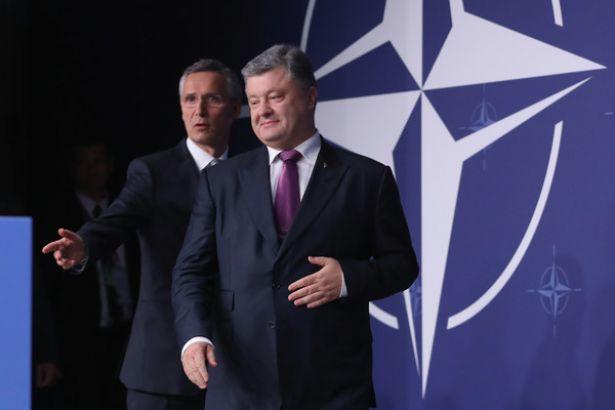 Faşist Poroşenko NATO'dan savaş gemisi istedi
