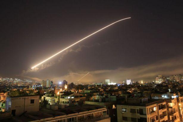 Suriye: Hava üssümüze saldırıyı engelledik