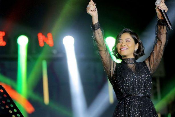 Ülkesinde ifade özgürlüğü olmadığını söyleyen Mısırlı şarkıcıya konser yasağı