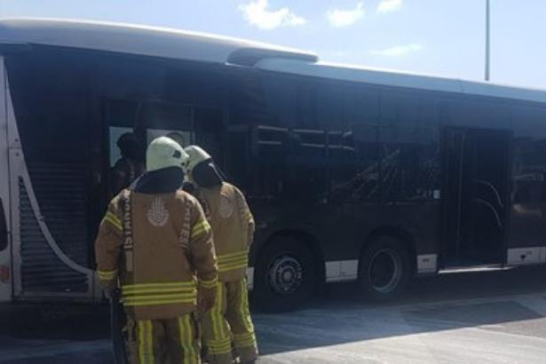 Avcılar'da metrobüste yangın çıktı