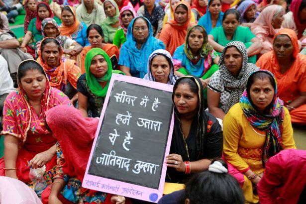 Hindistan: 10 yılda bin 800 kanalizasyon işçisi öldü