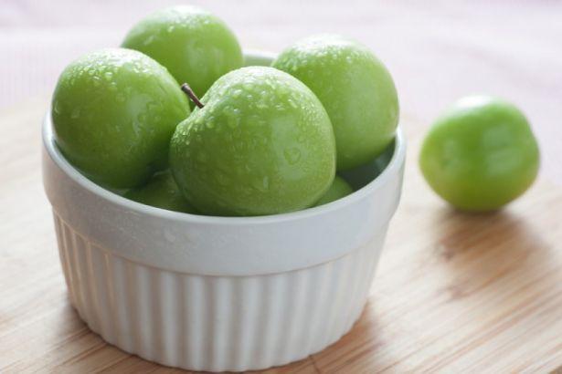 Yeşil eriğin kilosu 500 lira 95