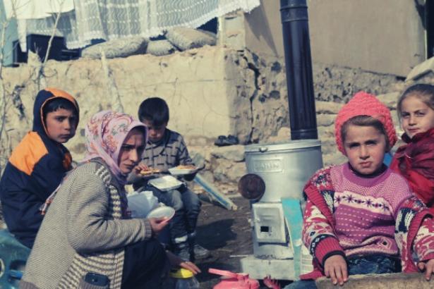 Van'da depremzedeler: İhtiyaçlarımız henüz karşılanmadı